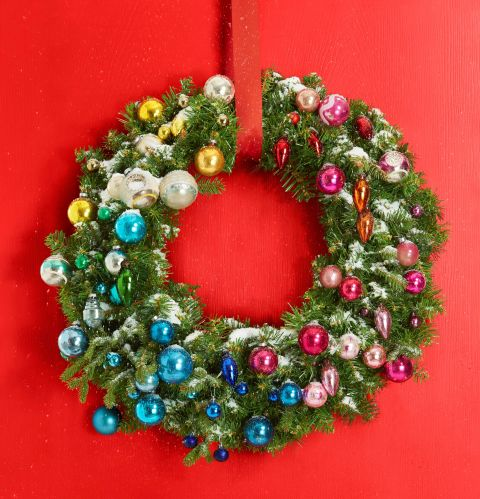 Winter wreath making bonanza a roundup of 11 beautiful for How to make christmas door wreaths